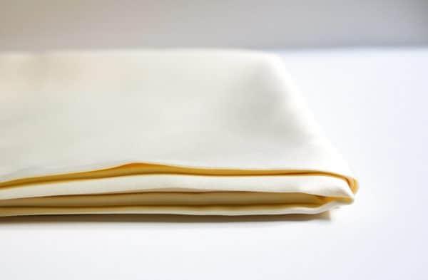 taie d'oreiller satin bouclette.co MEGARA beige clair 1